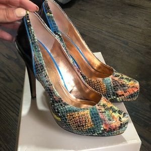 Bcbg pumps 8.5